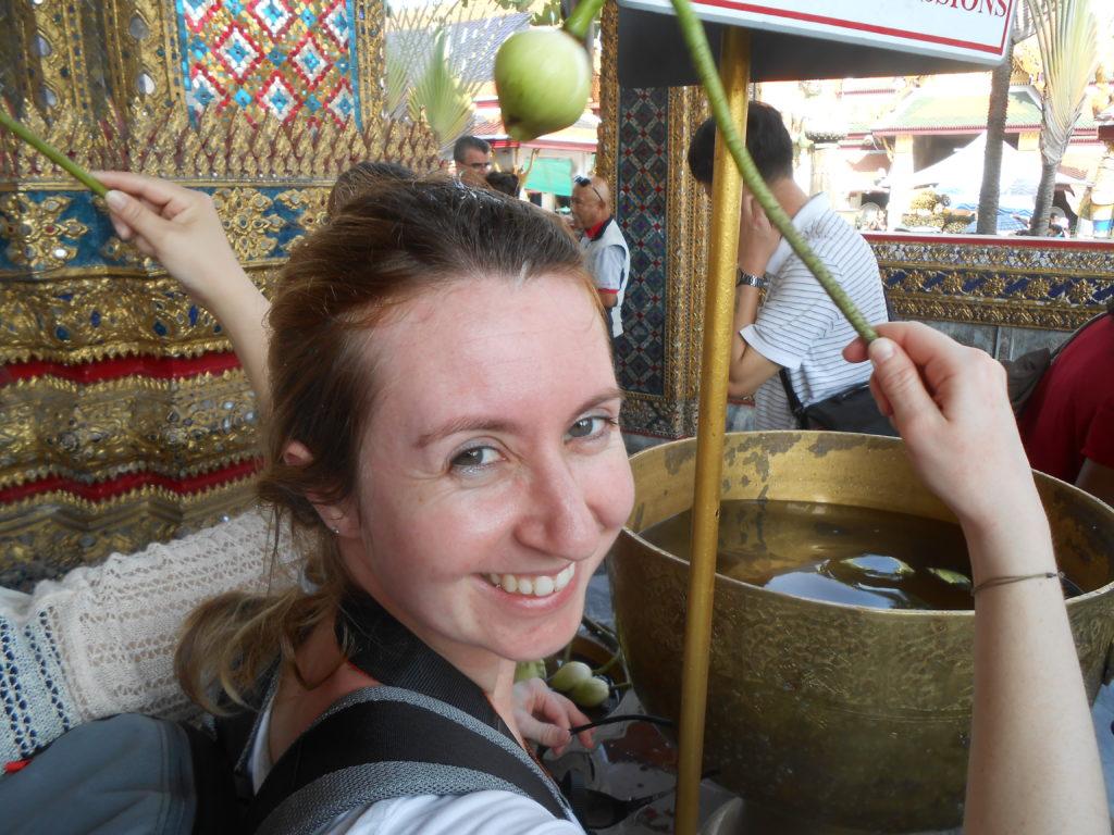 Rituel avant de voir le bouddha d'émeraude