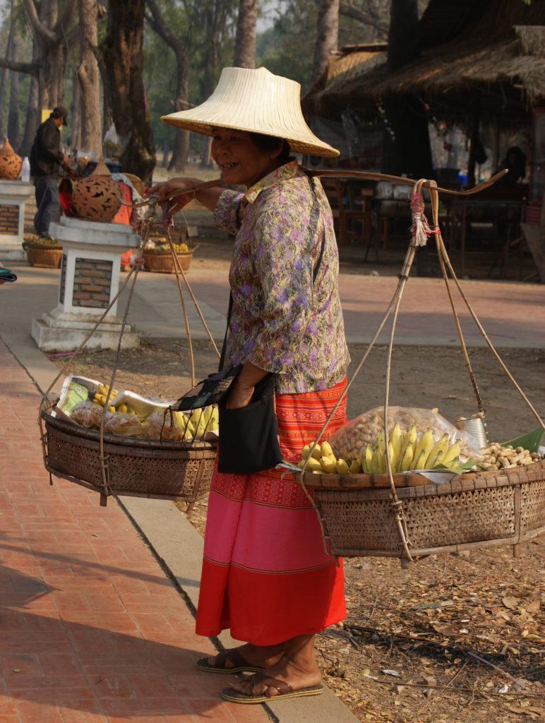 Marchande de fruits à Sukhothai